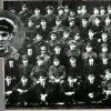Fantoma camaradului lor a participat la fotografia de grup a escadronului