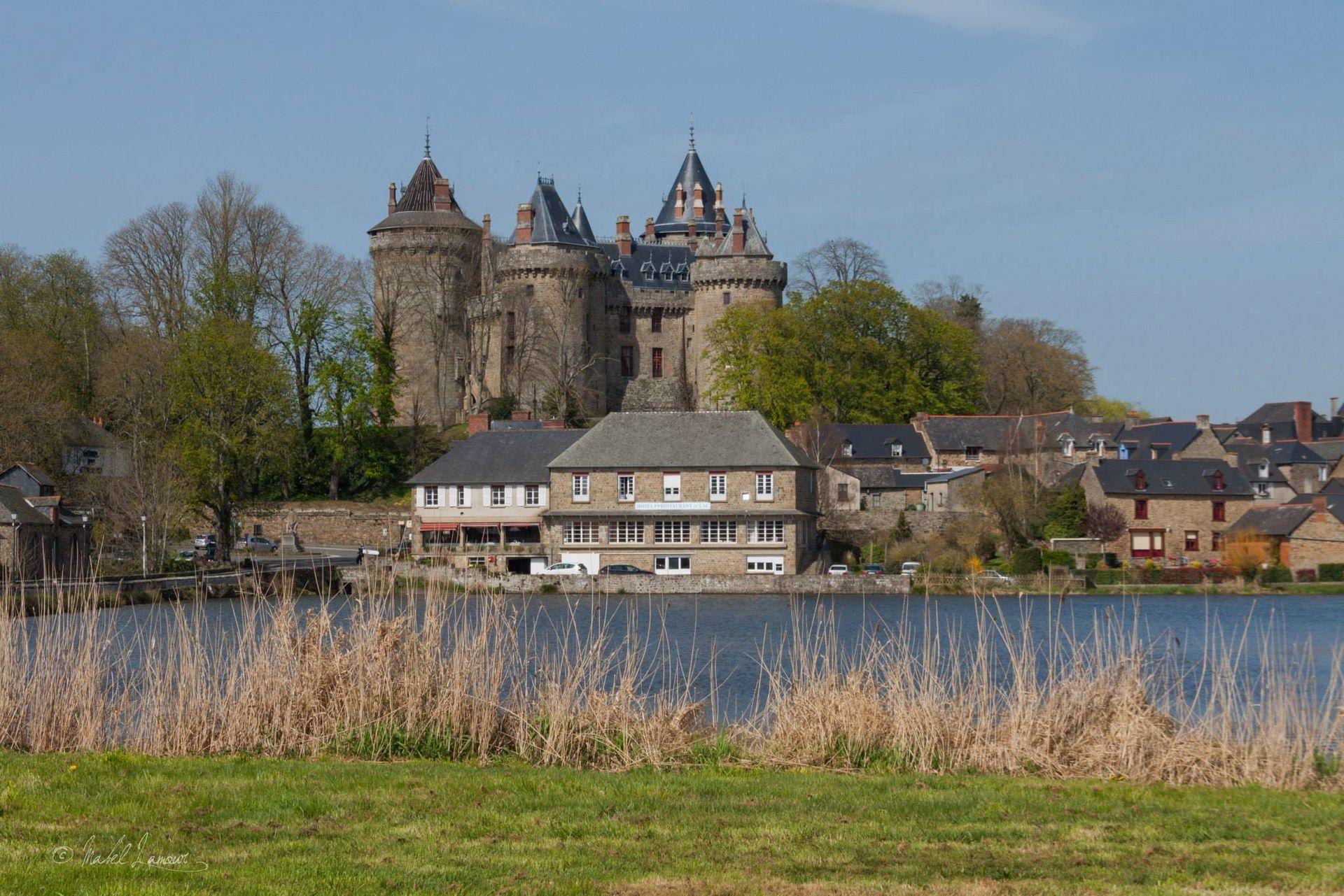 Fenomene paranormale la castelul din Combourg 2