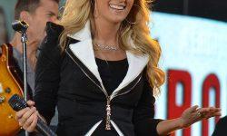Carrie_Underwood_3,_2012
