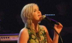 1280px-Maggie_Rose_at_the_Grand_Ole_Opry,_Nashville,_Tennessee,_23_February_2013